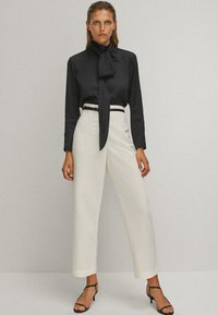 Massimo Dutti - WITH TIE DETAIL  - Blouse - black - 1