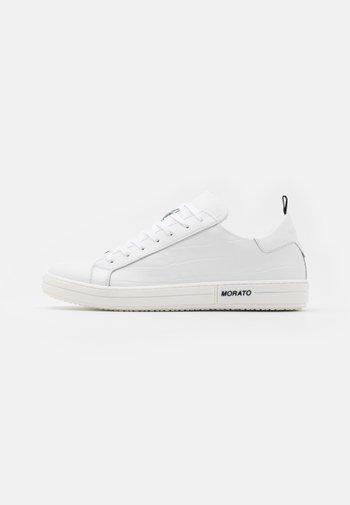PILOT - Sneakers basse - white