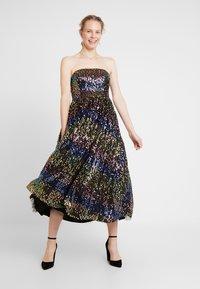 Maya Deluxe - SEQUIN BANDEAU MIDAXI DRESS - Robe de soirée - multi - 2