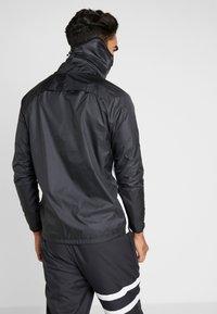 Nike Performance - STRIKE SNOOD UNISEX - Tubhalsduk - anthracite/black/reflective black - 3