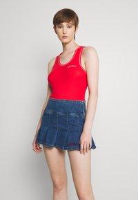 BDG Urban Outfitters - KILT SKIRT - Minijupe - dark vintage - 0