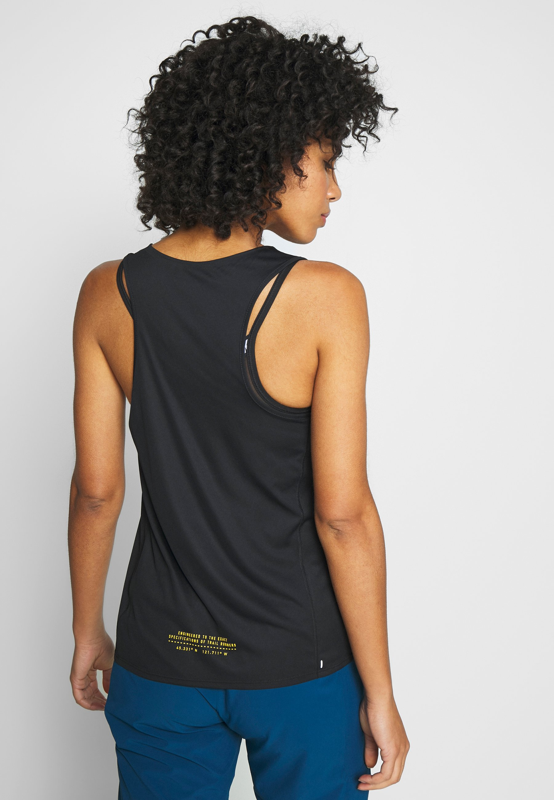 Nike Performance CITY SLEEK TANK TRAIL - Sports shirt - black/laser crimson/speed yellow GgW6G