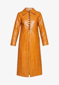 Topshop - WARWICK REPTILE - Classic coat - tan - 4