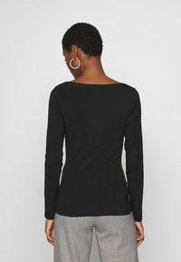 Anna Field - 2 PACK - Langærmede T-shirts - black/white - 4