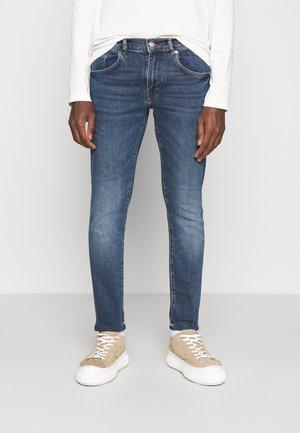 JAY STRIKE WASH - Jeans Slim Fit - mid blue