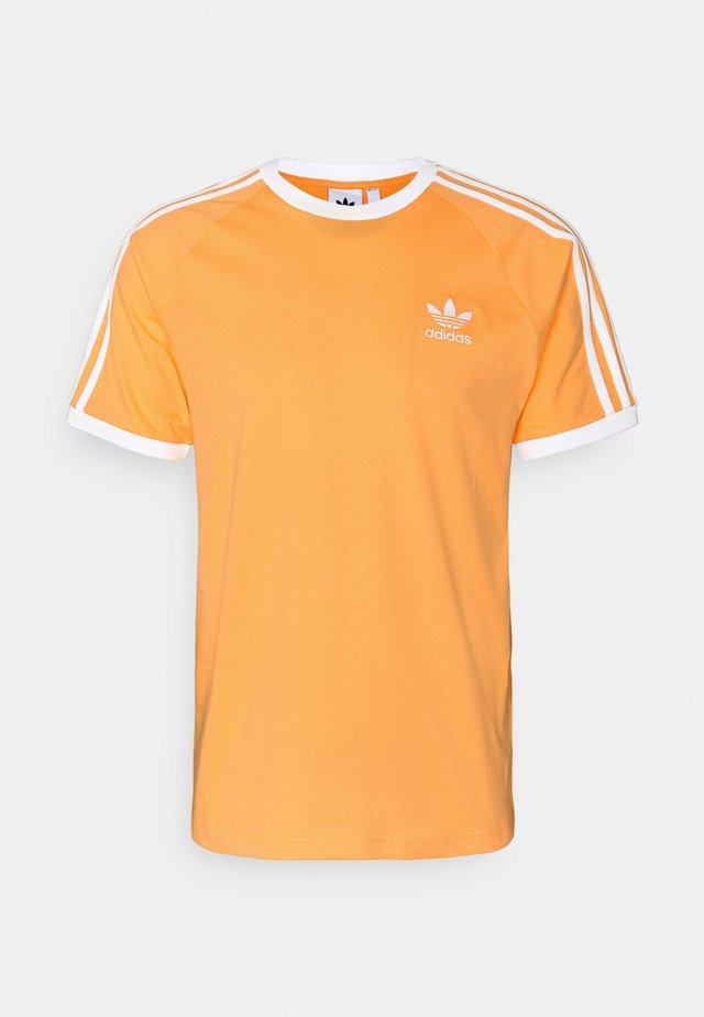 3 STRIPES TEE UNISEX - T-shirt imprimé - hazy orange