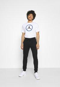 Jordan - CREW - Print T-shirt - white - 1