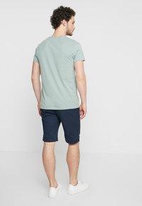 Selected Homme - SLHSTRAIGHT PARIS - Shorts - dark sapphire - 2