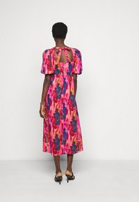 Never Fully Dressed Tall - WHO RUN THE WORLD MIDI DRESS - Vapaa-ajan mekko - pink/red - 2