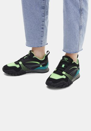 KYRON BONFIRES  - Trainers - elektro green-puma black