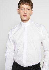 KARL LAGERFELD - MODERN FIT - Camicia elegante - white - 3