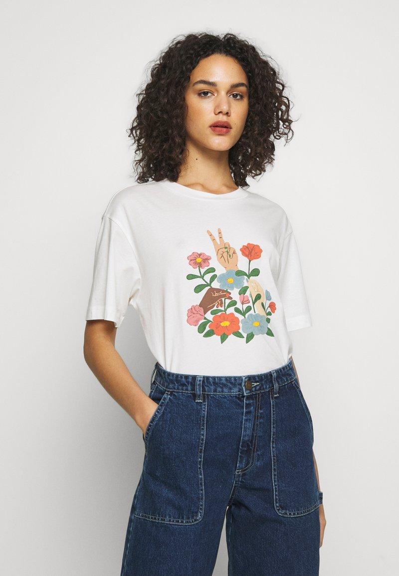 Monki - TOVI TEE - Camiseta estampada - white light