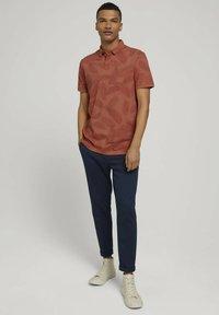 TOM TAILOR DENIM - Polo shirt - orange palm leaves print - 1