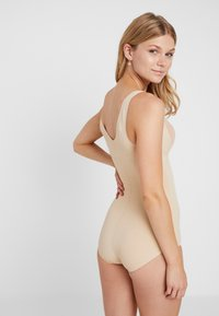 MAGIC Bodyfashion - DSIRED LUXURY BRIEFER - Body - latte - 2