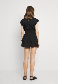 ONLY - ONLNOVA LUX SMOCK  - Falda plisada - black - 2