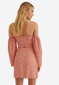 NA-KD - A-line skirt - painted floral coral - 3