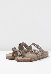 Madden Girl - BRYCEE - Sandály s odděleným palcem - pewter multicolor - 4