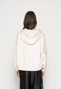 Esprit Collection - SWEATER - Hoodie - ice - 2