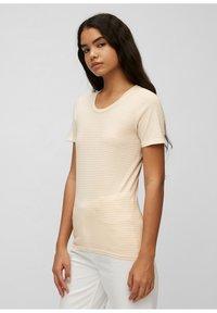 Marc O'Polo DENIM - Print T-shirt - multi/island beige - 3