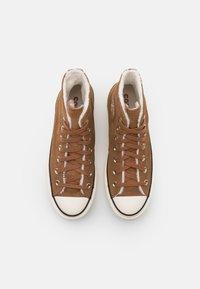 Converse - CHUCK TAYLOR ALL STAR LIFT - Zapatillas altas - clove brown/egret/black - 5