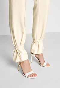 4th & Reckless - ALMA TROUSER - Kalhoty - nude - 5