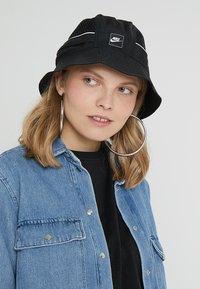 Nike Sportswear - BUCKET - Chapeau - black - 4
