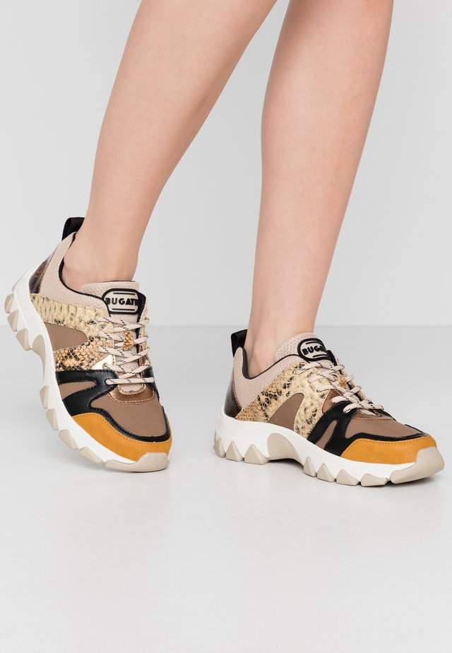 YUKI - Trainers - yellow/beige
