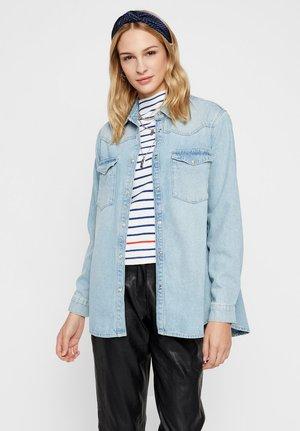 JEANSHEMD OVERSIZE - Button-down blouse - light blue denim