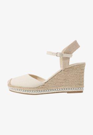 TUSCANY - Sandaler med høye hæler - offwhite
