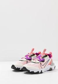 Nike Sportswear - REACT VISION - Sneakers laag - summit white/black/barely volt/laser crimson - 3