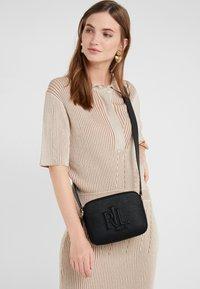 Lauren Ralph Lauren - CLASSIC PEBBLE HAYES - Across body bag - black - 1