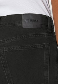 Weekday - WIRE ALMOST  - Straight leg jeans - almost black - 4