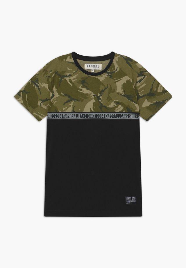 ODONI - T-shirt con stampa - khaki