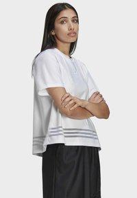 adidas Originals - Print T-shirt - white - 4