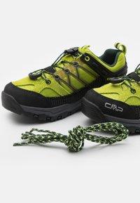 CMP - KIDS RIGEL LOW SHOE WP UNISEX - Hiking shoes - energy jungle - 5