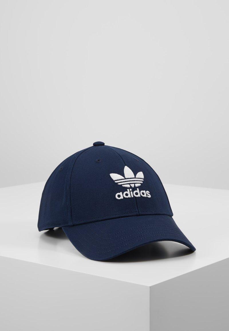 adidas Originals - BASE CLASS UNISEX - Kšiltovka - collegiate navy/white