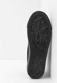 Diesel - S-ASTICO MID LACE - High-top trainers - black - 4