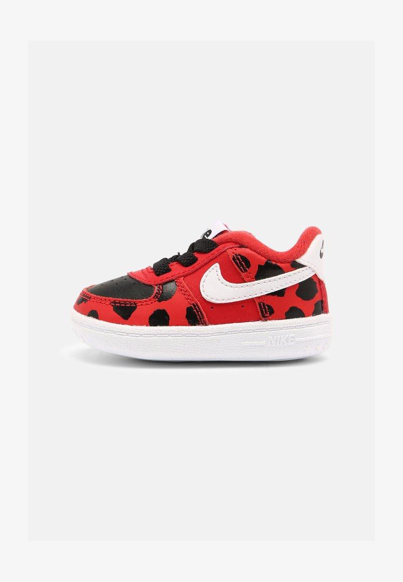 Nike Sportswear - FORCE 1 CRIB - Babyschoenen - red/white/black