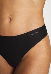 Calvin Klein Underwear - THONG 2 PACK - Thong - black - 4