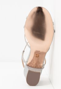 Dorothy Perkins - SILENCESTRAPPY BLOCK - Sandals - silver - 6