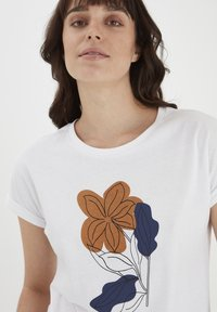 Fransa - MIT FLORALEM PRINT - Print T-shirt - white - 3