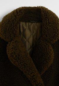 Mango - AUREN - Winter coat - vert foncé - 2
