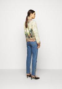 MOSCHINO - Sweatshirt - multicoloured - 2