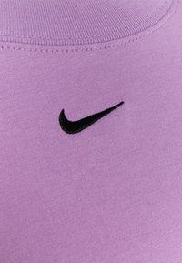 Nike Sportswear - Basic T-shirt - violet shock/black - 6