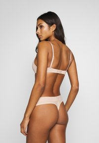 aerie - REAL ME BINDING THONG - String - natural nude - 2