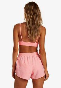Billabong - SOL SEARCHER - Swimming shorts - acid pink - 1