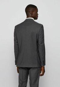 BOSS - JECKSON/LENON - Costume - open grey - 2