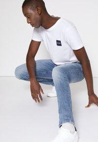 TOM TAILOR DENIM - PIERS - Jeans slim fit - bleached blue denim - 4
