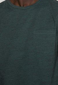 TOM TAILOR DENIM - NOS  - Basic T-shirt - dark gable green - 4