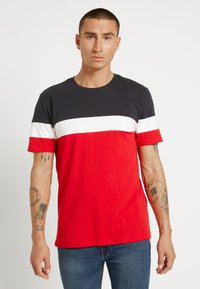 Only & Sons - ONSBAILEY  - T-shirt con stampa - dark navy/racing red - 0